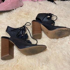 Aldo leather gladiator shoes